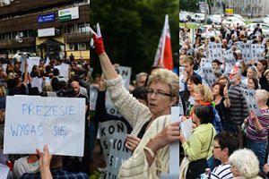 Ogólnopolski Strajk Kobiet i tłumy demonstrantek pod siedzibą PiS-u w Warszawie (ZDJĘCIA)