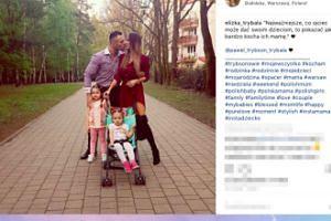 Rodzina Trybsonów spaceruje po Warszawie