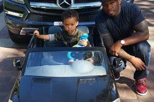 2-letni syn 50 Centa dostał... samochód!