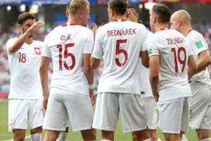 NA ŻYWO: Piłkarze reprezentacji Polski wracają z mundialu. Relacja z lotniska Okęcie
