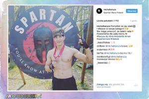 Michał Baryza BEZ KOSZULKI chwali się biegowym zwycięstwem