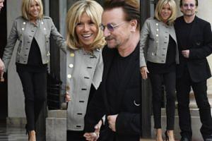 Brigitte Macron wita Bono w Pałacu Elizejskim (ZDJĘCIA)