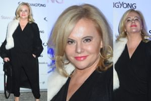 Odmłodzona twarz 52-letniej Kurowskiej podziwia premierę samochodu (ZDJĘCIA)