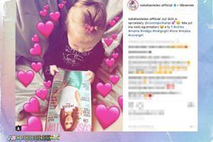 Mia Siwiec podziwia mamęna okładce czasopisma