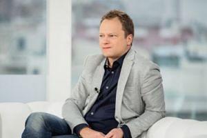 """Maciej Stuhr znowu zajmuje się polityką: """"Czuję wewnętrzną potrzebę, żeby o tym mówić!"""""""