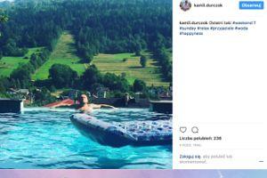 """Kamil Durczok pozdrawia """"z wody"""" (FOTO)"""