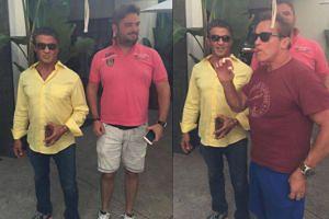 Stallone pozował z fanem. Do akcji wszedł Schwarzenegger...