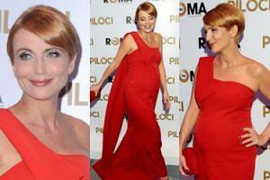 Ciężarna Kasia Zielińska chwali się brzuszkiem w czerwonej sukience (ZDJĘCIA)