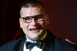 """Polsat dalej promuje patologię. Popek zagra w serialu """"W rymie serca"""""""