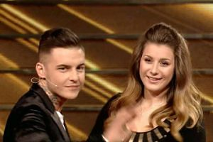 """Polsat pokazał nowe show """"Take Me Out"""", a w nim niewybredne żarty. """"BEZ GUMY NIE MA ZABAWY"""""""