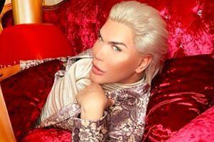 """""""Żywy Ken"""" zwierza się w rosyjskim salonie piękności: """"Chcę mieć dzieci. Będę płacił za ich operacje"""""""