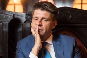 Petru ZREZYGNOWAŁ z funkcji przewodniczącego klubu Nowoczesnej!