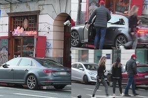 Tomasz Lis też parkuje na zakazie (WIDEO)