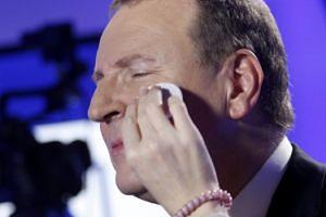 """Kurski ZAWIESIŁ DWÓCH WICEDYREKTORÓW w TVP! Za równoczesną emisję """"The Voice"""" i """"Rolnika""""..."""