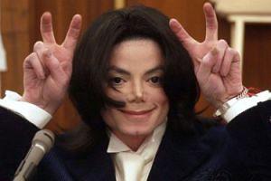 """Michael Jackson """"zarobił""""... 75 MILIONÓW DOLARÓW! Osiem lat po śmierci"""