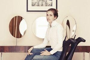 Daria Żukowa siedzi na ciemnoskórej modelce! RASIZM?
