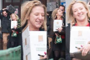 Szczęśliwa Lara Gessler nosi pakunki z nowym ukochanym (ZDJĘCIA)