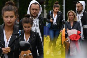 Nieumalowana Julia Wieniawa w naturalnym wydaniu opuszcza hotel z mamą i Baronem (ZDJĘCIA)