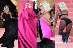 GALA MET 2019: Lady Gaga zaprezentowała cztery stylizacje, rozbierając się na czerwonym dywanie (ZDJĘCIA)