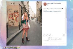 Jessica Mercedes wczuwa się w pozowanie na paryskim bruku