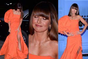 """Bal TVN 2019. Anna Lewandowska jako współczesna """"Doktor Quinn""""? Długa suknia sprawiła gwieździe niemałe problemy techniczne..."""
