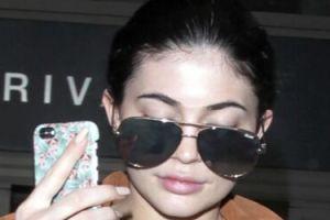 """Kylie Jenner TRAFIŁA DO SZPITALA! """"Jestem bardzo chora, nie mogę podróżować"""""""