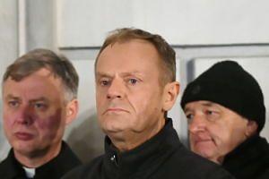 """Paweł Adamowicz nie żyje. Tusk: """"Byłeś zawsze tam, gdzie trzeba było stanąć przeciwko złu"""""""