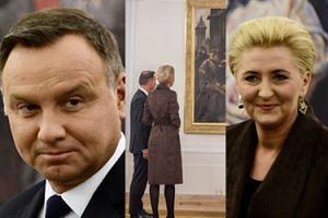 """Dudowie kontemplują sztukę w Pałacu Prezydenckim: """"Ta wystawa prezentuje Polskę, NAS POLAKÓW"""" (FOTO)"""