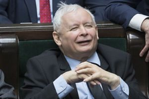 """Prawo i Sprawiedliwość wydało dodatkowe 180 tysięcy na ochronę prezesa. """"Kaczyńskiego strzegło od 16 do 26 ochroniarzy"""""""