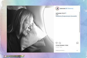 Maja Sablewska udaje, że śpi w samolocie