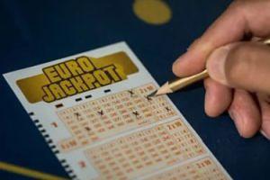 Polak wygrał 195 milionów w loterii!
