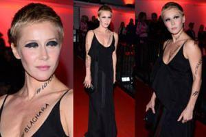 Katarzyna Warnke w mocnym makijażu straszy na Flesz Fashion Night (ZDJĘCIA)