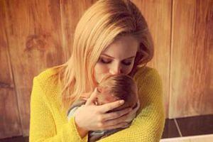 """Olga Kalicka pozuje z synem na Instagramie: """"Wciąż się z Maluszkiem poznajemy"""""""