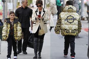 Kris Jenner kupiła wnukowi kurtkę Versace za... 11 TYSIĘCY! Gustowna?