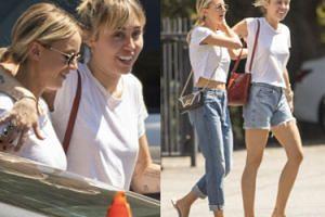 Uśmiechnięta Miley Cyrus eksponuje tatuaże na spacerze z kochanką (FOTO)