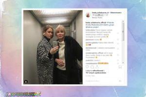 Ścibakówna z córką pozują w windzie