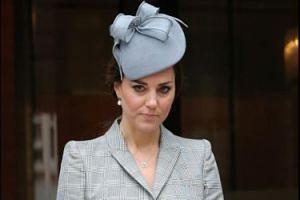"""Księżna Kate zażądała USUNIĘCIA z elit towarzyskich byłej przyjaciółki?! """"Stosunki między nimi stały się napięte"""""""