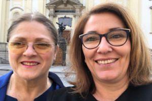 """Krystyna Pawłowicz pozuje z Beatą Mazurek po """"kłótni"""": """"Pozdrawiamy wszystkich, też opozycyjnych intrygantów"""""""