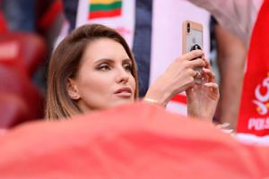 """Dominika Grosicka podpisała kontrakt z polską marką. Super Express: """"Zgodziła się na dużo niższą stawkę niż Kurdej-Szatan"""""""
