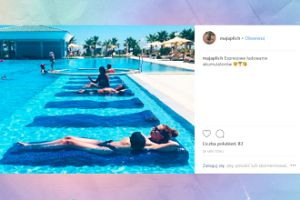 Maja Plich moczy się w basenie