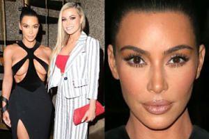 Kim Kardashian z zabandażowanym biustem pozuje u boku Carmen Electry (FOTO)
