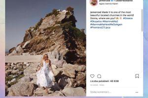 Jessica Mercedes zachwyca się greckim kościołem