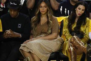Beyonce SZTURCHNĘŁA kobietę, która zaproponowała drinka jej mężowi. Boi się kolejnej zdrady?