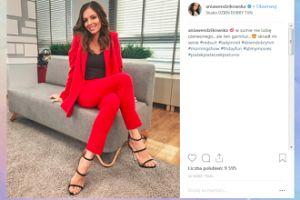 Ania Wendzikowska zachwycona czerwonym garniturem