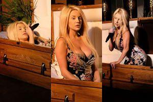 Courtney Stodden wraca jako piosenkarka ŚPIEWAJĄCA W TRUMNIE (FOTO)