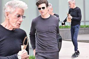 Calvin Klein próbuje dogonić młodszego o 45 lat kochanka w trakcie przechadzki po Manhattanie (FOTO)
