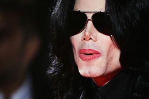 Na ostatniej płycie Jacksona ktoś ŚPIEWA ZAMIAST MICHAELA?!