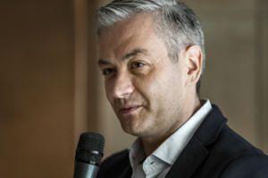 Robert Biedroń NIE BĘDZIE KANDYDOWAŁ na prezydenta Słupska! Założy własną partię