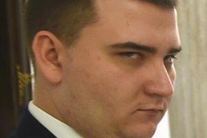 """Misiewicz podlizuje się prezesowi PiS-u... """"Jest świetnym strategiem, świetnym politykiem i wielkim patriotą"""""""