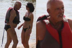 Janusz Korwin-Mikke na wakacjach popisuje się przed młodą żoną (FOTO)